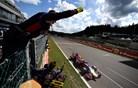 Roparju treh Mercedesovih zmag je zadišal tudi naslov prvaka f1