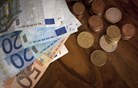 Letos za socialne transferje predvidoma nekaj več kot 1,2 milijarde evrov