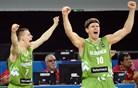 Slovenija proti Avstralcem pokazala karakter, Američani odpihnili Fince
