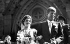 John Kennedy pred oltarjem z Jacqueline