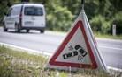 Neznani voznik povzročil smrt 41-letnega pešca