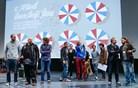 Slovenska filmska smetana: natikači namesto svečanih oblačil