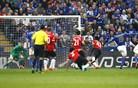 Manchester United potolčen do tal, City in Chelsea v derbiju razdelila točke
