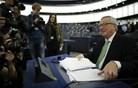 Potrjena Junckerjeva komisija z Violeto Bulc (video)