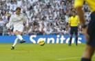 V živo: Benzema po napaki Inieste popeljal Real do še izdatnejše prednosti