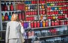 Prodaja nagrobnih sveč se pred dnevom mrtvih poveča tudi za petkrat