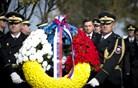 Državni vrh položil vence žrtvam vojn (foto)