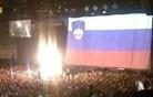 Slovenska zastava v Stožicah. Košarkarji? Ne, razprostrli so jo One Republic. (foto)