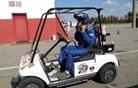 Z vozičkom za golf se je peljal skoraj 200 kilometrov na uro (video)