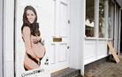 Londončane presenetil grafit gole nosečnice Kate Middleton (foto)