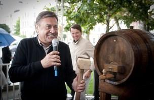 Janković z merlotom odprl ljubljanski vinski sejem (foto)