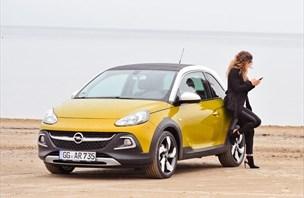Opel adam rocks - manekenček je odšel na fitnes