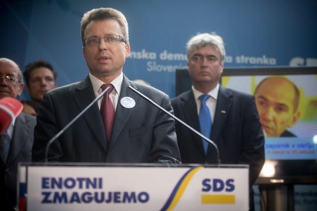 Podpredsednik Zvonko Černač: Te volitve niso poštene, rezultati niso legitimni. Vlada, ki bo sestavljena na podlagi teh volitev, ne bo legitimna.