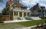 Katere nepremičnine v Sloveniji se prodajajo za več kot milijon evrov (foto)